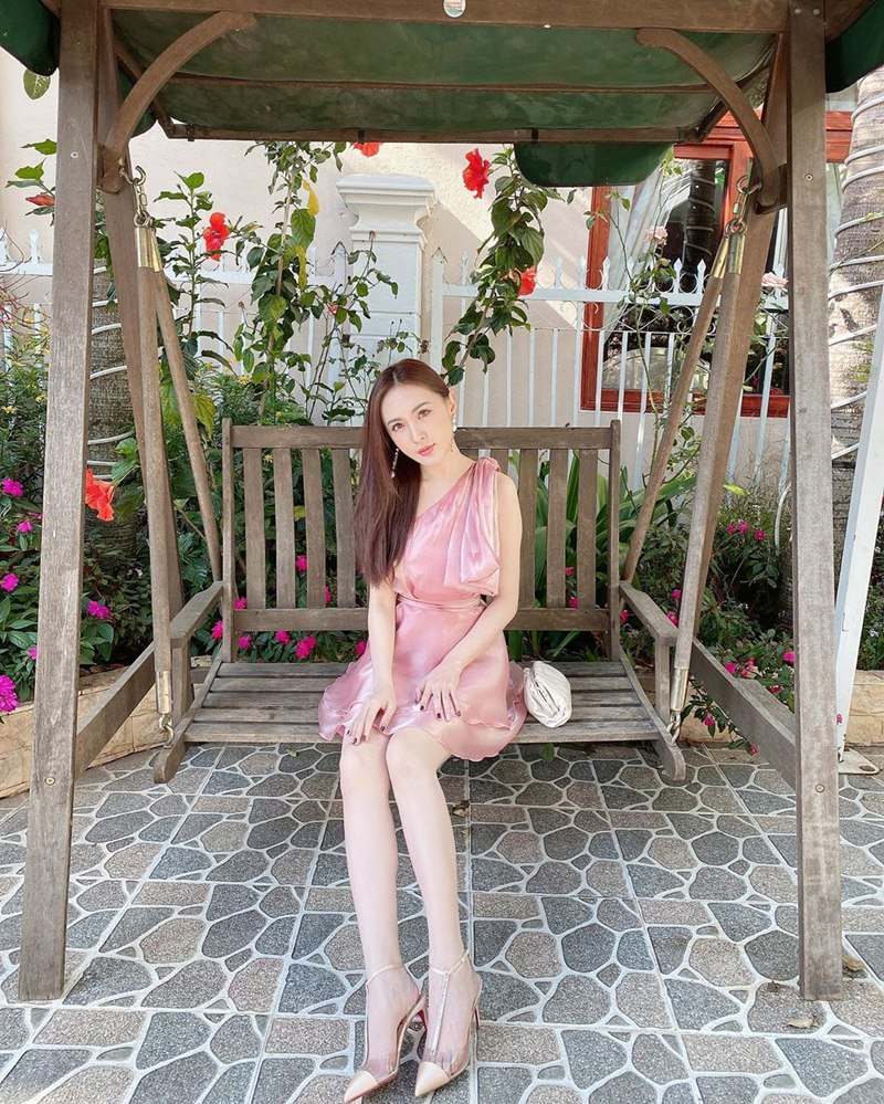 my-nhan-Viet-dien-do-do-ruc-du-xuan-DepOnline-12