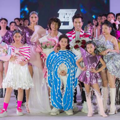 NTK Ivan Trần tung BST thời trang độc – lạ kỷ niệm 5 năm bước chân vào nghề