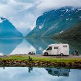 Đi cắm trại nơi hoang dã bằng xe hơi. Tại sao không?
