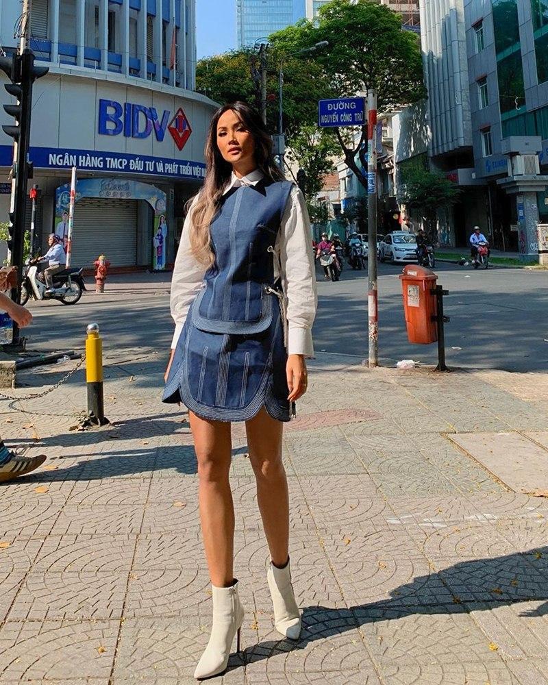 street-style-my-nhan-Viet-ngay-dau-nam-2020-DepOnline-13
