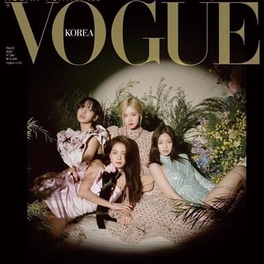 BLACKPINK trở thành nhóm nhạc nữ đầu tiên lên bìa tạp chí Vogue Hàn Quốc