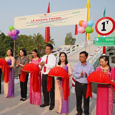 Grab xây cầu, trao học bổng và triển khai dịch vụ mới tại Việt Nam
