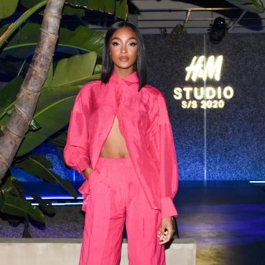 Jourdan Dunn xinh xắn, trẻ trung trong tông màu hồng tại tiệc của H&M tại Los Angeles