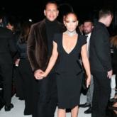 Jennifer Lopez nổi bật trên hàng ghế đầu show Tom Ford tại New York