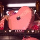 Lịm tim với những chiếc túi màu hồng xinh xắn cho Valentine's Day từ MCM
