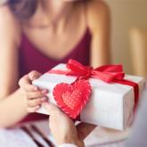 Những món quà truyền thống lễ tình nhân trên thế giới