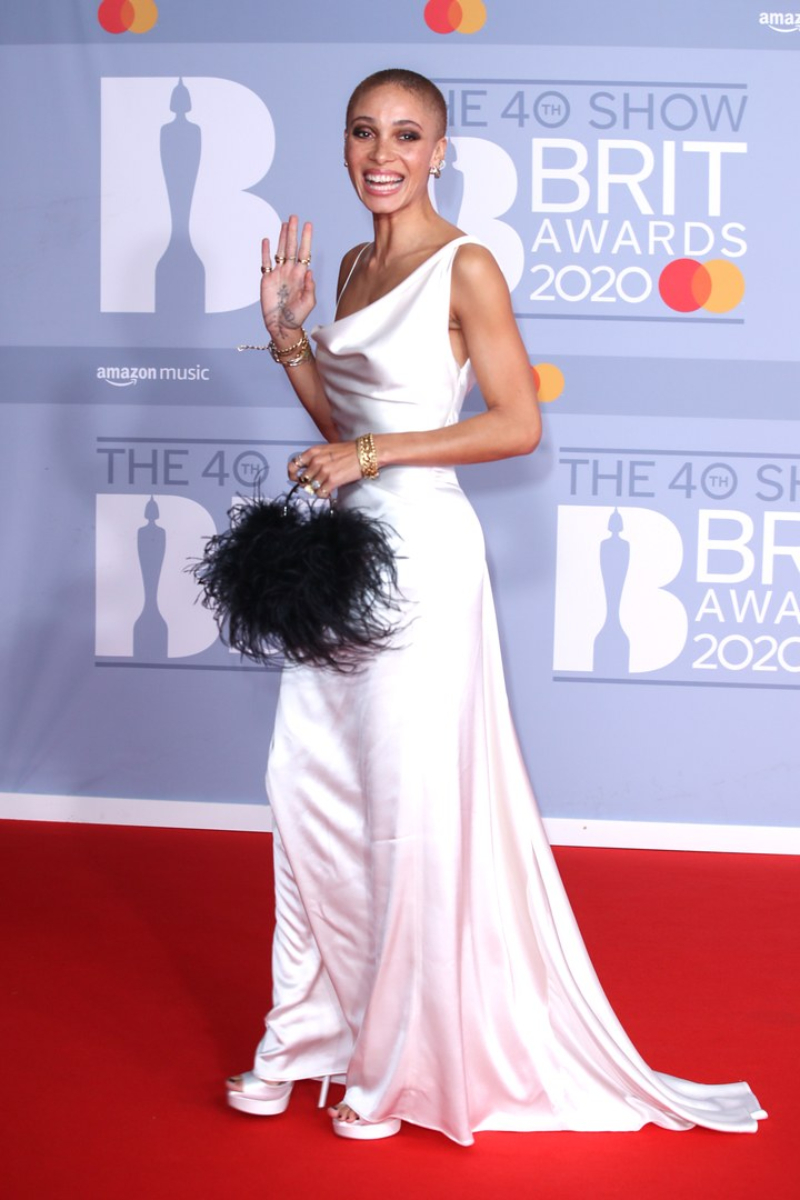 tham do brit awards 2020 - 6