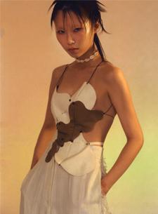 Her Body, Her Choice – Tuyên ngôn qua những bộ trang phục