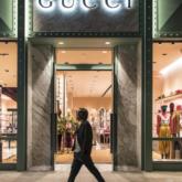 Met Gala hoãn vô thời hạn – Chanel, Gucci kẻ hủy người hoãn show – Nike, Supreme đóng toàn bộ cửa hàng vì dịch Covid-19
