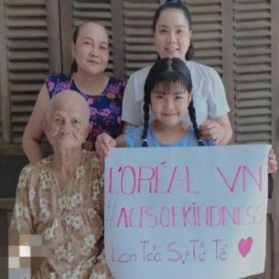 L'oréal Việt Nam hỗ trợ 216 triệu đồng cho 54 hộ gia đình nghèo trong đại dịch Covid-19