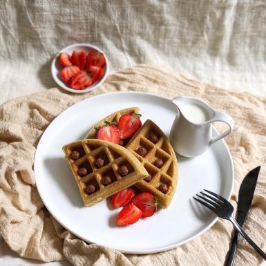 Đánh thức vị giác những ngày nắng nóng và ở nhà chống dịch với món bánh waffle yến mạch thơm ngon