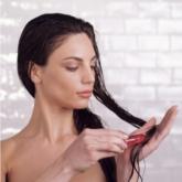 Dưỡng tóc tại gia, chờ ngày salon tái xuất