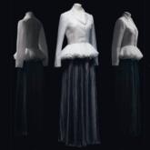 """Lạc lối trong không gian triển lãm """"Christian Dior: Designer of Dreams"""" với đoạn phim 57 phút"""