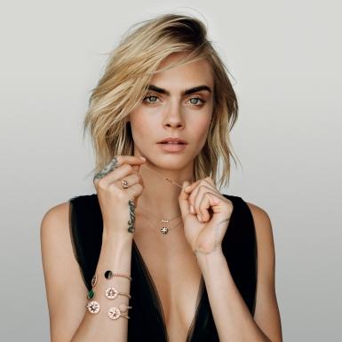 """Cara Delevingne cá tính với những món trang sức """"xinh lung linh"""" sức từ BST Mimirose của Dior"""