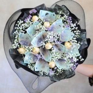 Đừng chỉ tặng hoa vào ngày lễ, hãy tặng hoa vào ngày nhận lương!