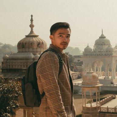 Travel blogger đi hơn 30 quốc gia khi mới 25 tuổi chia sẻ bí quyết du lịch tại nhà thú vị cho các tín đồ xê dịch