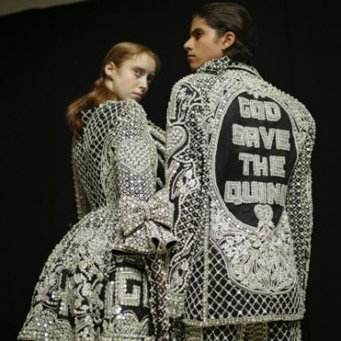 Tuần lễ Thời trang London chuyển đổi sang nền tảng kỹ thuật số, kết hợp thời trang nam và nữ