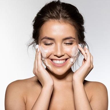 Sữa rửa mặt lý tưởng cho da mụn