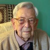 Cụ ông cao tuổi nhất thế giới qua đời ở tuổi 112 vì ung thư
