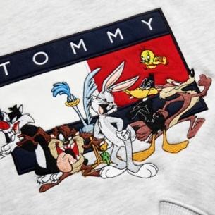 Khuấy động phong cách ngày hè với những item từ BST TOMMY JEANS Looney Tunes® Capsule