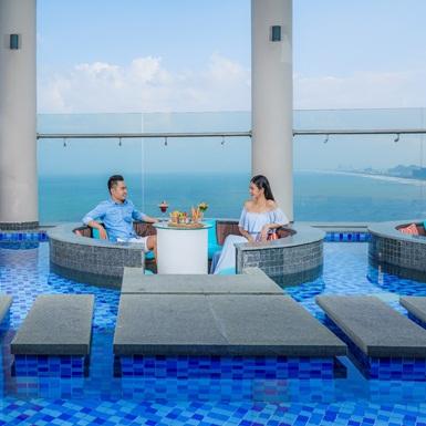 """Khách sạn Four Points by Sheraton Đà Nẵngkhuyến mãi lớn """"Niềm vui nhân hai"""""""