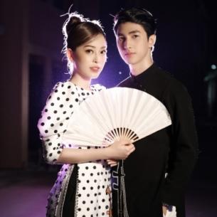 Bình An – Phương Nga sóng đôi diễn thời trang cho NTK Hà Duy