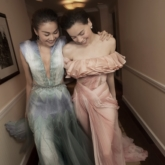 Thanh Hằng cùng Hồ Ngọc Hà xuất hiện trong các thiết kế của NTK Nguyễn Công Trí trên Vogue Paris