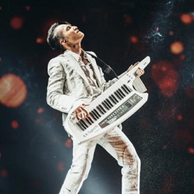 """""""SKY TOUR Movie"""": Nơi thăng hoa cảm xúc cùng âm nhạc và cuộc sống đằng sau ánh đèn sân khấu"""