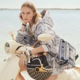 """Kiệt tác Vespa 946 Christian Dior """"đốn tim"""" người hâm mộ ngay từ cái nhìn đầu tiên"""