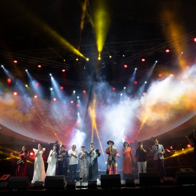 """Hơn 30.000 khán giả hòa mình vào âm nhạc của Trịnh Công Sơn trong sự kiện """"Cánh Vạc Kinh Bắc"""""""