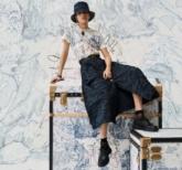Cả thế giới như được thu nhỏ trong BST Capsule Dior Around The World