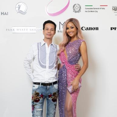 """Dàn mỹ nhân Việt tỏa sáng cùng váy dạ hội tại show """"Thương"""" của NTK Hoàng Hải"""