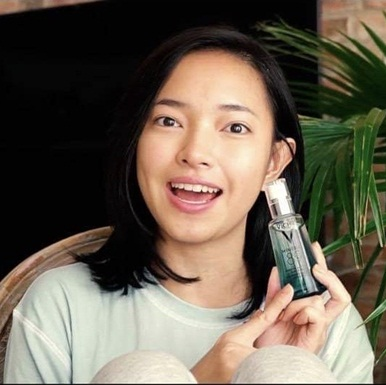 Fashionista Châu Bùi bật mí chu trình skincare 3 phút cho làn da căng bóng mỗi sáng