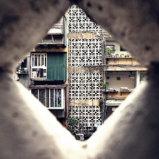 Đi tìm những bức tường nở hoa ở Sài Gòn
