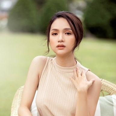 """Hoa hậu Hương Giang chia sẻ bí quyết đối phó với """"kẻ thứ ba"""" một cách văn minh"""