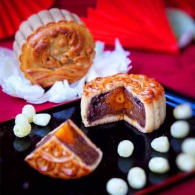 Dương Triệu Vũ gửi lời chúc đoàn viên cùng thương hiệu bánh Trung Thu của riêng mình