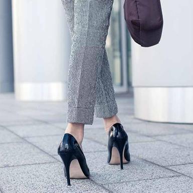 Ngồi vắt chéo chân, đi giày cao gót, để tóc ướt khi ngủ,… là những thói quen nguy hiểm cho sức khỏe phụ nữ