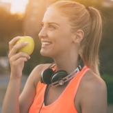 12 lý do khiến phái đẹp nên ăn ít nhất 1 quả táo mỗi ngày
