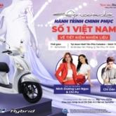 """Ninh Dương Lan Ngọc và Chi Pu hội tụ tại Yamaha Grande Fashion Show mừng """"Hành trình chinh phục số 1 Việt Nam về tiết kiệm nhiên liệu"""" của Yamaha Grande"""