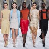 """Vẻ gợi cảm """"hút mắt"""" mang theo những giá trị thẩm mỹ kinh điển của Hermès"""
