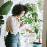 """Từ trào lưu trên mạng xã hội, """"sống xanh"""" trở thành thói quen sinh hoạt hàng ngày của các bạn trẻ hiện đại"""