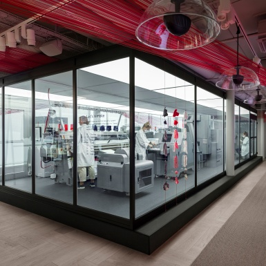 """H&M mang đến hệ thống tái chế """"Looop"""" – biến trang phục từ cũ thành mới"""