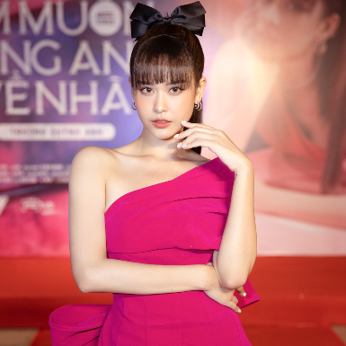 """Trương Quỳnh Anh rũ bỏ hình ảnh nữ tính, ủy mị, theo đuổi """"cuộc sống màu hồng"""" với MV mới"""