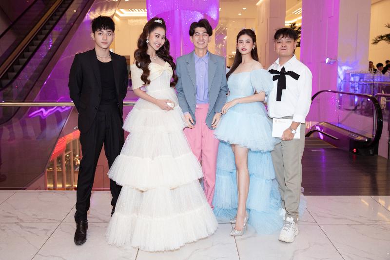show the princess cua nguyen minh cong 1 Cả showbiz hóa thân thành công chúa – hoàng tử trên thảm đỏ The Princess của NTK Nguyễn Minh Công