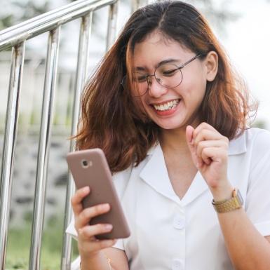 """Bí kíp hẹn hò online: """"Thả thính"""" một tài khoản trống trơn khi """"match"""""""