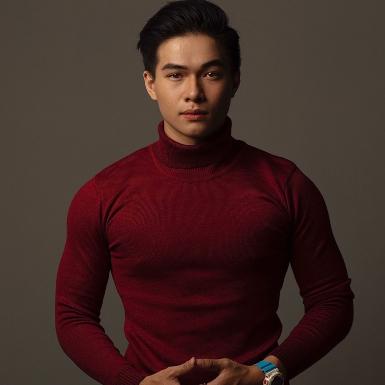 """Kha Vũ: Từ chàng diễn viên trẻ triển vọng đến gương mặt được các NTK """"chọn mặt gửi vàng"""" ở các show diễn thời trang"""