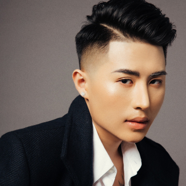 NTK Long Ng mang làn gió gợi cảm tuy quen mà lạ đến Tuần lễ Thời trang Quốc tế Việt Nam 2020