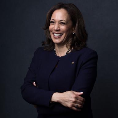 Phó Tổng thống đắc cử Kamala Harris: Phong cách thời trang mang thông điệp về chính trị và sức mạnh của người phụ nữ đương đại