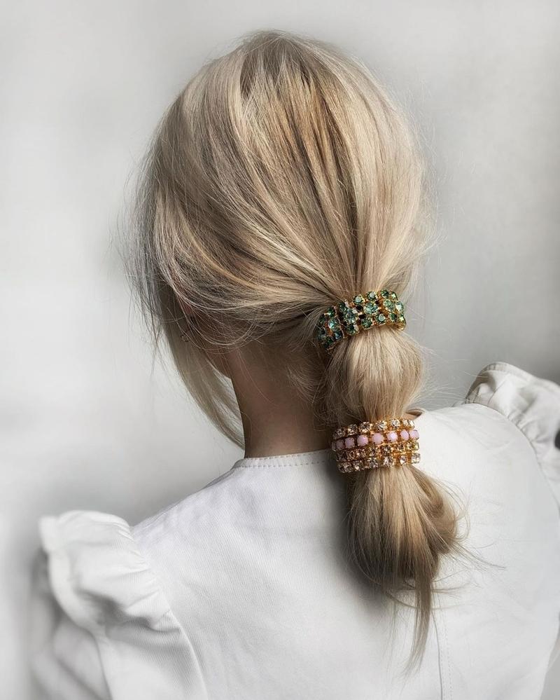 Những phụ kiện giúp mái tóc thăng hạng ngày tết 3