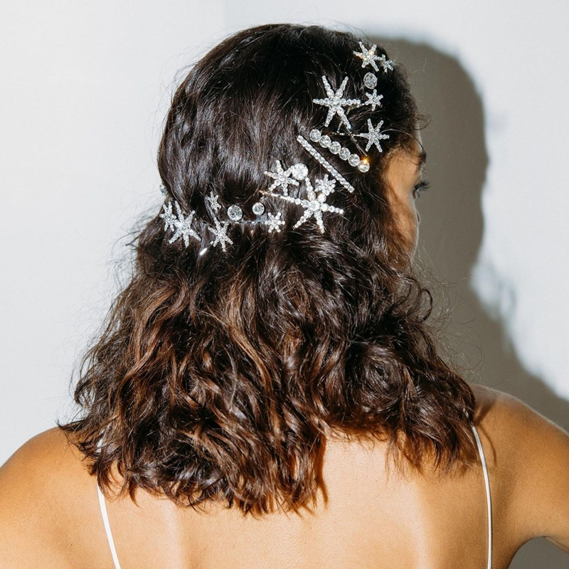 Những phụ kiện giúp mái tóc thăng hạng ngày tết 6